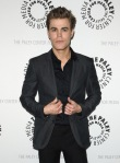 The-PaleyFest-2010-the-vampire-diaries-tv-show-10776665-445-600